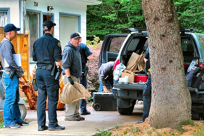 FILE PHOTO BY DAVID F. ASHTON - At the time of the drug bust, in 2017, police took bags of evidence from the home near Sellwood Park as evidence.