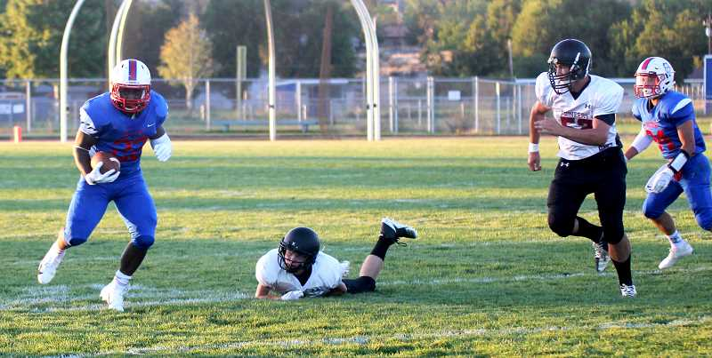 STEELE HAUGEN - Runningback Treyvon Easterling had 55 yards and two touchdowns against Mac-Hi Friday night.