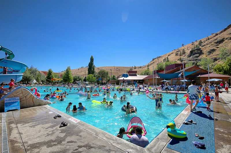 EDWARD HEATH PHOTO - The Kah-Nee-Ta pool was busy over the weekend with visit by local residents, who wanted to spend one lat day at the pool before it closes.