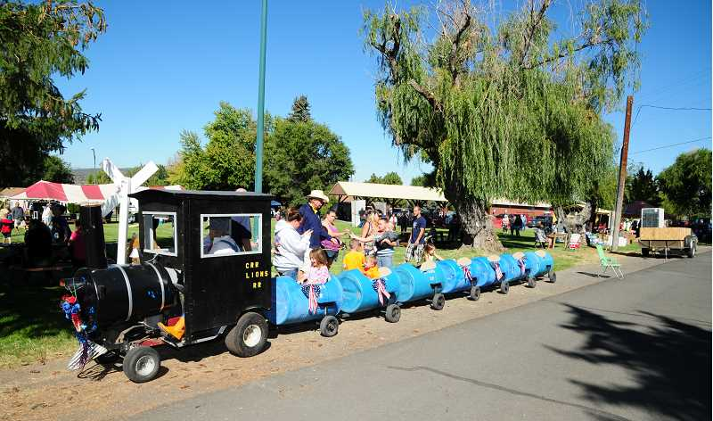 BILL VOLLMER PHOTO - The Crooked River Ranch mini-train will be at Metolius City Park during the Spike and Rail celebration.