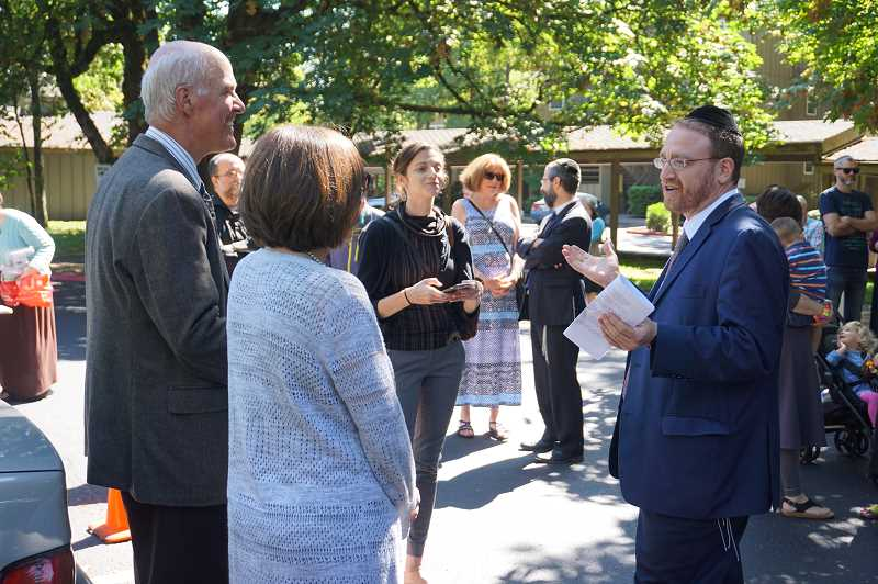 REVIEW PHOTO: CLAIRE HOLLEY - Mayor Kent Studebaker and state Rep. Andrea Salinas welcome Rabbi Ken Brodkin and the Maayan Torah Day School to Lake Oswego.