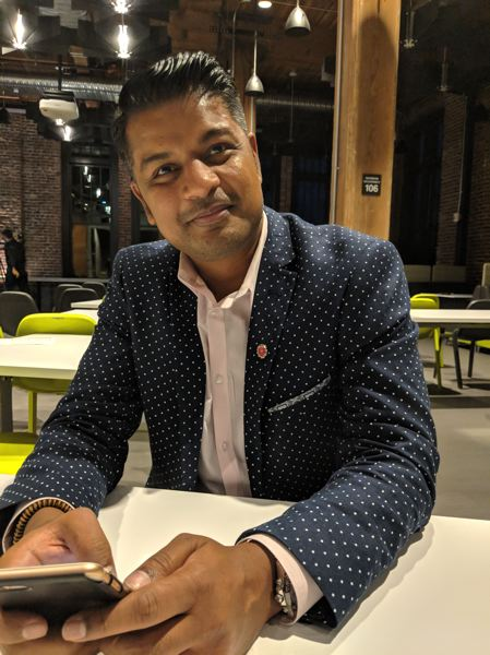 PAMPLIN MEDIA GROUP: JOSEPH GALLIVAN - Hu-manity.io founder Richie Etwaru. Etwaru spoke at a blockchain tech summit put on by law firm Schwabe, Williamson & Wyatt, declaring that the age of blockchain is almost upon us, and it is the age of trust (and end of fakery).
