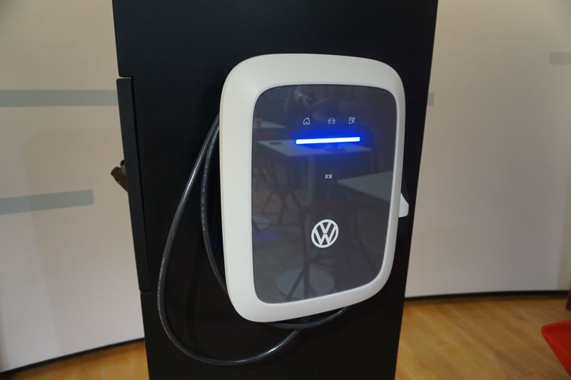 "PORTLAND TRIBUNE: JEFF ZURSCHMEIDE - VW has announced plans to offer a 240-Volt Level 2 ""People's Wallbox"" charger for home installation priced at about $300."