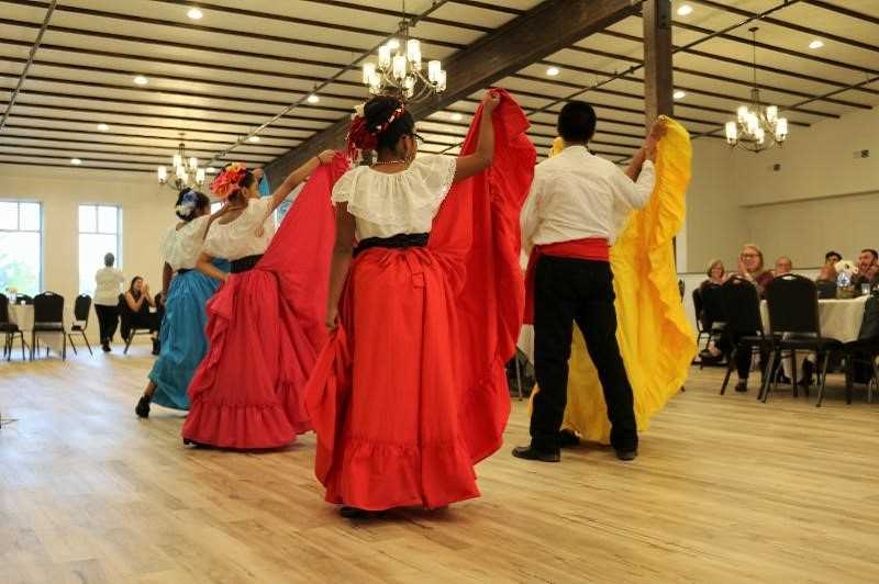 COURTESY PHOTO: CITY OF WOODBURN - Metropolis, whose owners received an award for Best Building Renovation, was featured on the Oregon Main Street bus tour, featuring the best of Woodburn's Mexican food and folkloric dancing from local dance group Cosecha Mestiza.