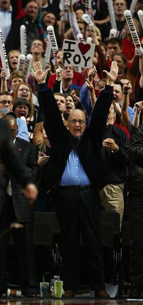 TRIBUNE FILE PHOTO: L.E. BASKOW - Portland team owner Paul Allen cheers as the Trail Blazers win a game in April 2010.