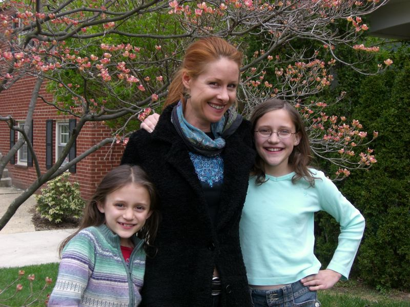 COURTESY PHOTO: ALISON BOBER - Diana Bober spends time with her nieces in 2007.