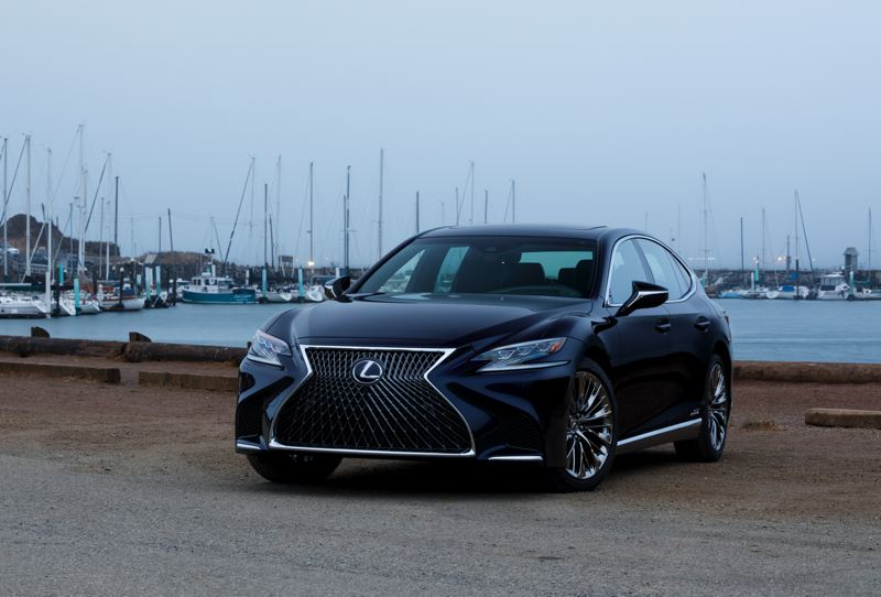 LEXUS USA - The 2018 Lexus LS 500h is a boldly styled full-size luxury sedan that delivers dazzling performance, comfort and technology.