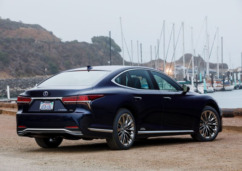 LEXUS USA - The 2018 Lexus LS 500h looks good from any angle.