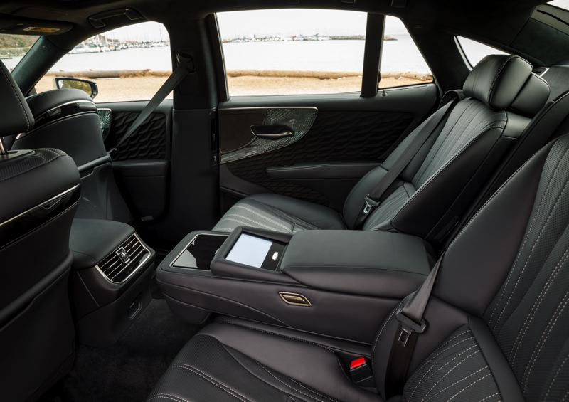 LEXUS USA - Back seat passengers will find plenty of room and luxury touches in the 2018 Lexus LS 500h
