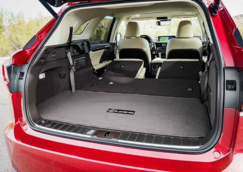 LEXUS USA - Cargo space is boosted with the seats folded down in the 2018 Lexus RX 350L.
