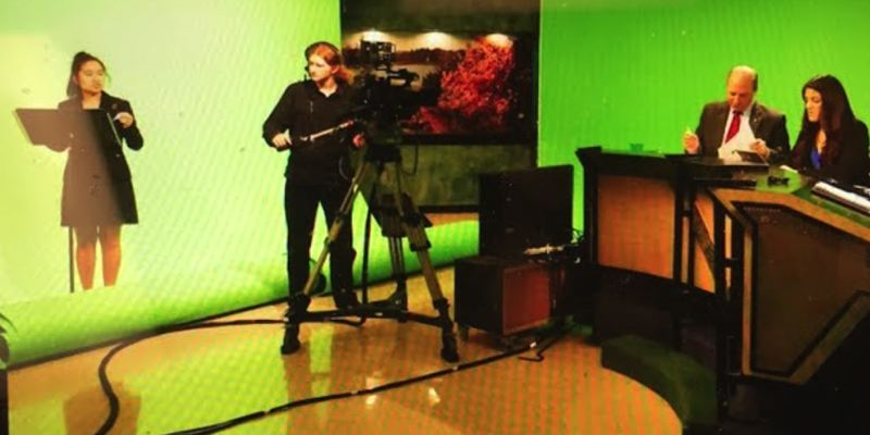 Student anchors are joined by former Oregon House Speaker Dave Hunt for the live broadcast.