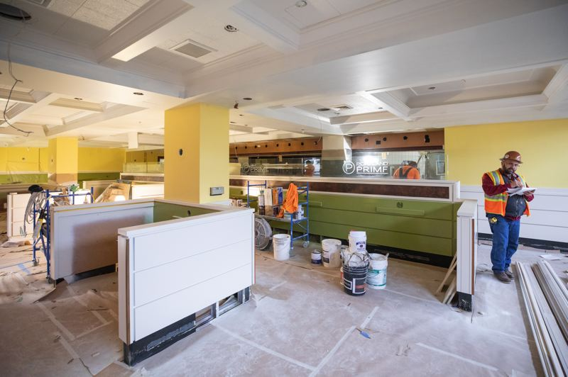 PAMPLIN MEDIA GROUP: JONATHAN HOUSE - The dark-toned remnants of the former steakhouses that inhabited the ground-floor space in the Embassy Suites hotel in downtown Portland are being replaced with the yellows and greens that are the signature colors of Mother's Bistro and Bar.
