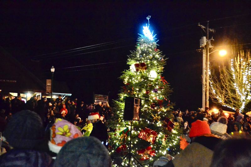 POST PHOTO: BRITTANY ALLEN - Several community members attended the Sandy Christmas Tree Lighting on Dec. 7 to enjoy cookies, cocoa and the spectacle of the town's own Christmas tree.