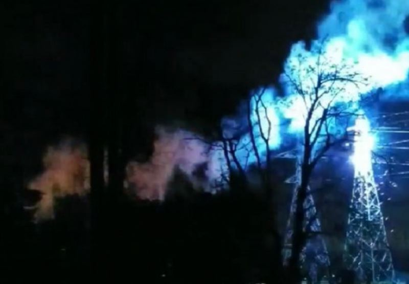 KOIN 6 NEWS - Winds caused electrical wires to fall and spark, as seen in this screen grab from a video taken in Vancouver posted by SWESA and re-tweeted by the National Weather Service on Jan. 6.