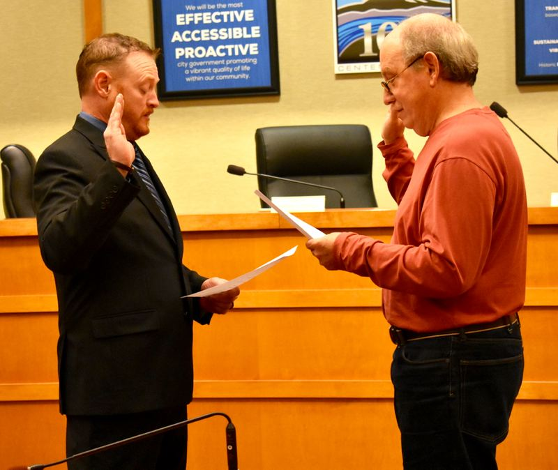 OUTLOOK PHOTO: MATT DEBOW  - Darren Riordan is sworn in as Fairview Council Position 6 on Wednesday, Jan. 2.