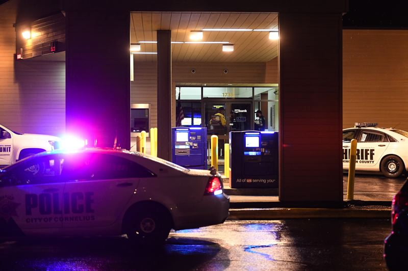 STAFF PHOTO: CHRISTOPHER OERTELL - Washington County sheriff's deputies responded to reports of a robbery at the U.S. Bank location in Cornelius on Tuesday, Jan. 8.