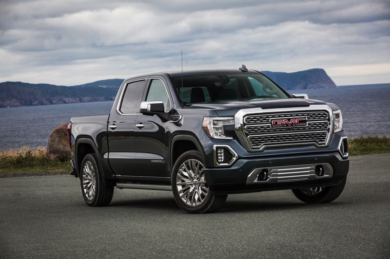 PAMPLIN MEDIA GROUP: JEFF ZURSCHMEIDE - The all-new 2019 GMC Sierra is the first truck on the market to feature a 6-way multi-function tailgate that opens and folds into several configurations. The unique-to-GMC MultiPro Trailgate can be used as a step, a desk, a cargo load stop, or folded to allow easier access into the bed.