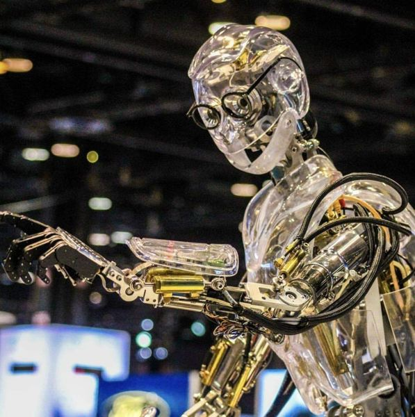 COURTESY FORD MOTOR COMPANY - Ford's interactive Hank the Robot will entertain visitors every day at the company's display.