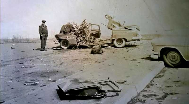 HYPERLINK HTTP://PORTLANDCRIME.BLOGSPOT.COM/PORTLANDCRIME.BLOGSPOT.COM - The wreckage of Oliver Kermit Smiths car after it was blown to pieces by a dynamite bomb in the parking lot of the Columbia Edgewater Country Club. Picture is from the files of Det. Walter Graven.