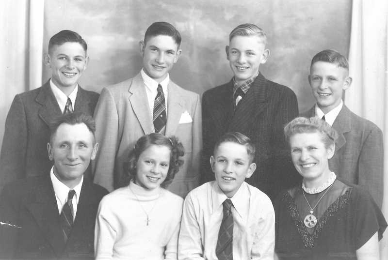 PHOTO COURTESY OF THE DAMER FAMILY  - This Damer family portrait was taken when they lived in South Dakota. Guido is on the left in the back row.