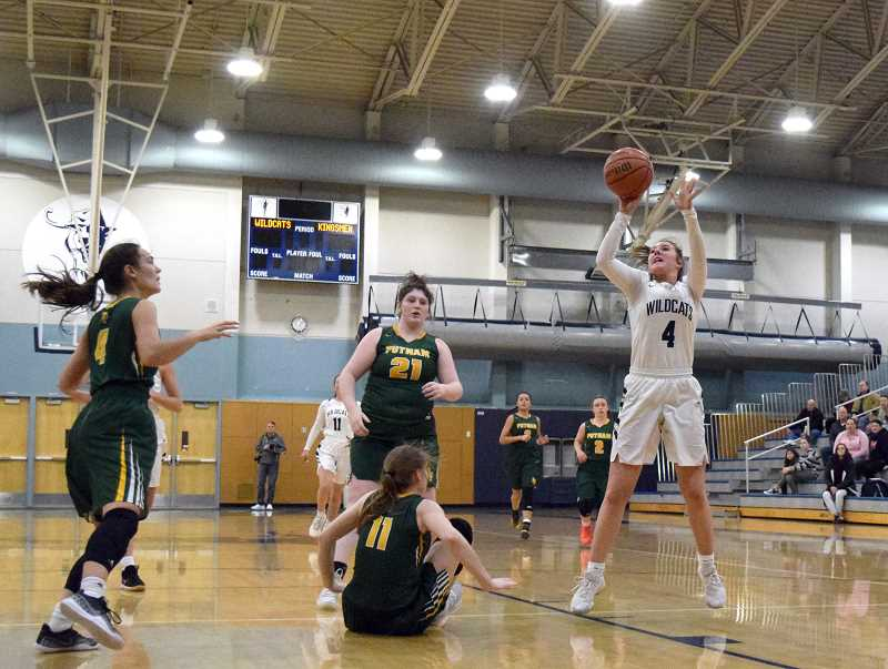 SPOKESMAN PHOTO: TANNER RUSS - Senior Teagan McNamee had 14 points against the visiting Kingsmen.