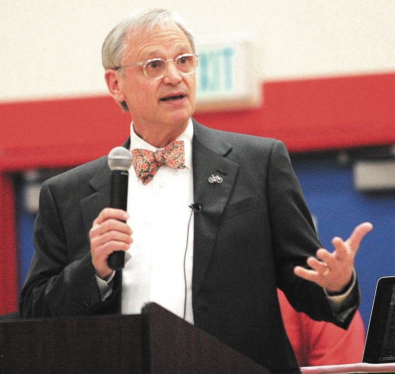 FILE PHOTO - Oregon U.S. Congressman Earl Blumenauer