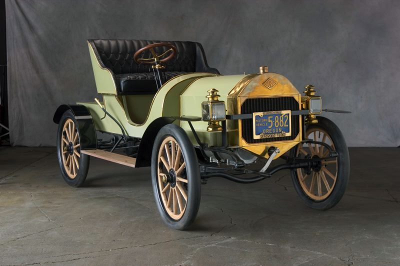 COURTESY: OREGON HISTORICAL SOCIETY - The Benson automobile was made in Oregon.