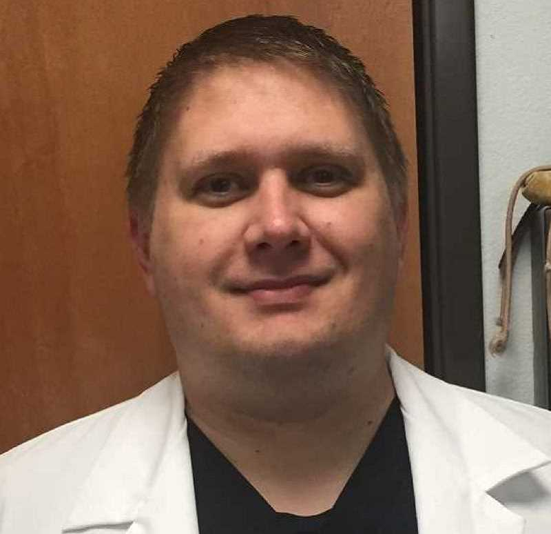 Jonathan Wisniewski - Emergency Veterinary Clinic of Tualatin (EVCOT) - EMERGENCY VETERINARY CLINIC INSIDER