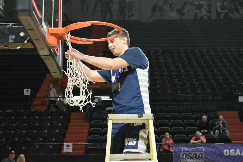 SPOKESMAN PHOTO: TANNER RUSS - Wilsonville senior Jack Roche had 13 assists in the state championship game, a state tournament record.
