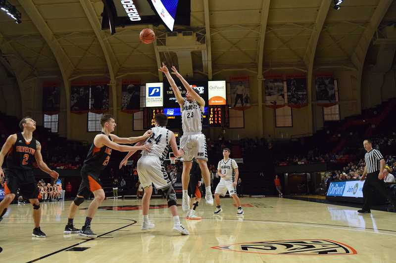 SPOKESMAN PHOTO: TANNER RUSS - Senior Sam Westing pulls up for the jumper against Silverton.
