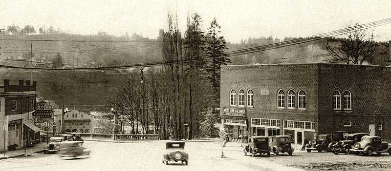 COURTESY PHOTO: CLACKAMAS COUNTY HISTORIAL SOCIETY - West Linns first city hall hosted several stores on its main floor; best remembered was DeJardins Thriftway.