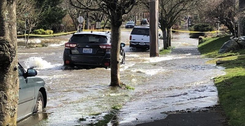 KOIN 6 NEWS - Some of the Saturday morning flooding in Northeast Portland.