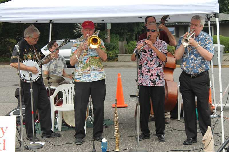 PMG FILE PHOTO - The Jim Beatty Jazz Band played locally including this gig at West Linn Farmers Market.