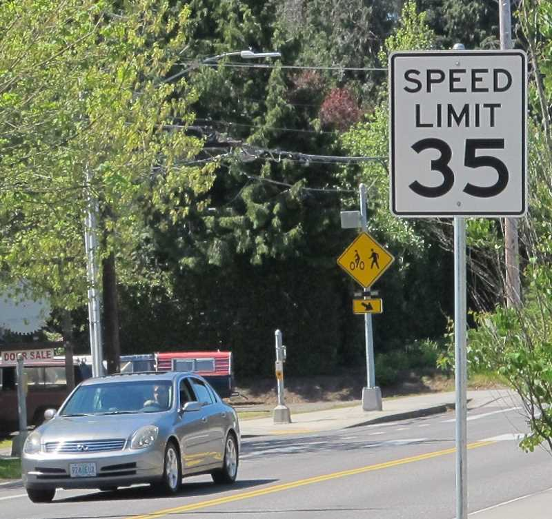 PMG PHOTOS: BILL GALLAGHER - This speed limit sign on Multnomah Boulevard just before Southwest 25th will soon be replaced by one which says 30 mph.