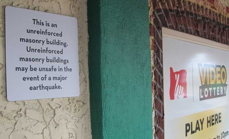 The owners of the two-story building that houses Casa Colima chose to display the seismic warning sign. Ochoa says it hasn't had eny effect on his business.