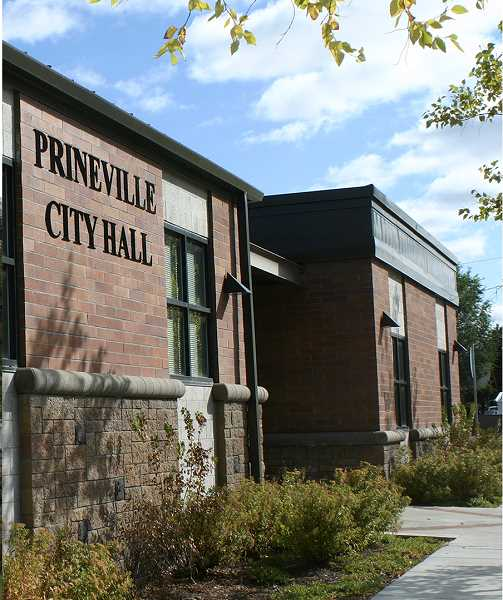 CENTRAL OREGONIAN - Following two-hour public hearing, city planning commission OKs 135-unit project in northeast Prineville.