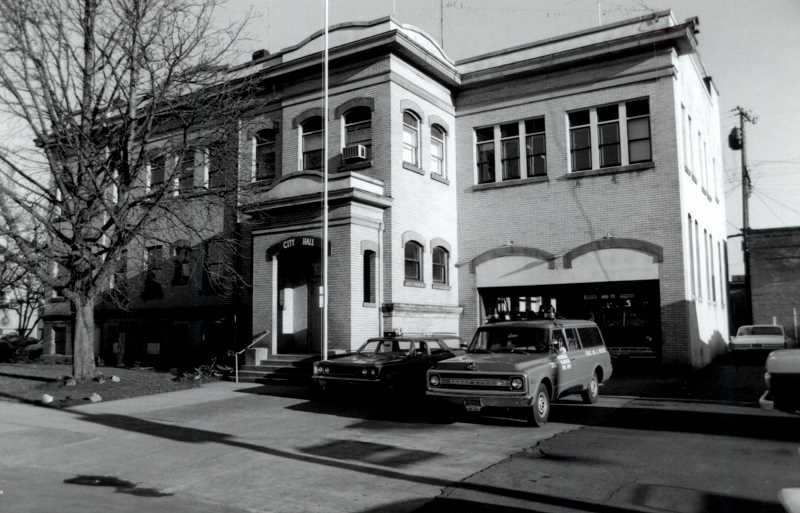 COURTESY OF CITY OF WOODBURN - Historical First Street building served as Woodburn City Hall from 1914 until 1977.