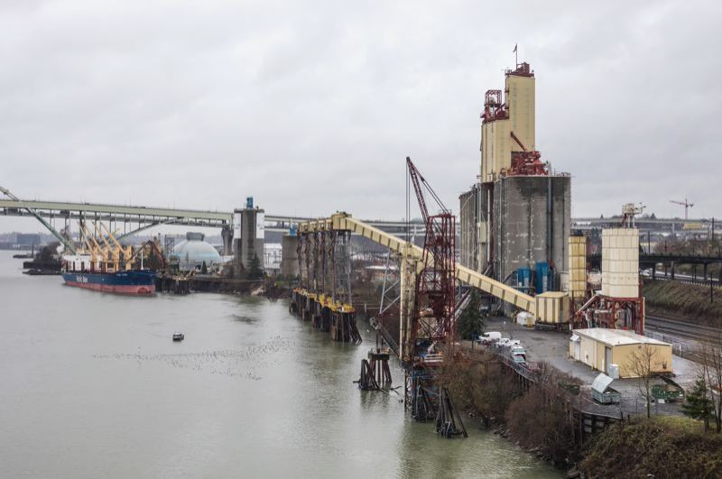 PORTLAND TRIBUNE FILE PHOTO - This stretch of the Willamette River north of the Broadway Bridge is the most upstream spot in the 10-mile long Superfund Site, known as River Mile 11 E.
