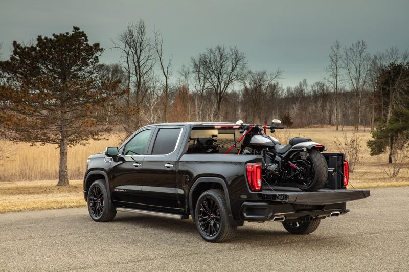 COURTESY GMC - The advanced CarbonPro bed is made from sheets of carbon fiber plastic, and resists impact damage six times better than a steel bed.