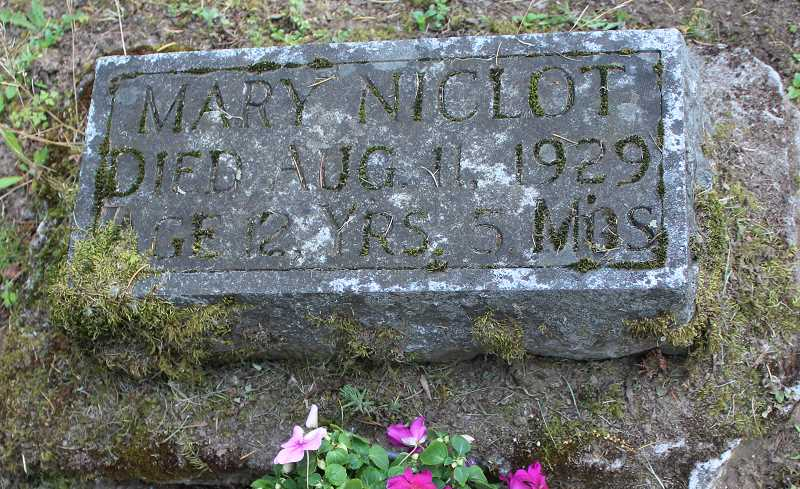 Mary Niclot died in 1929 at age 12.
