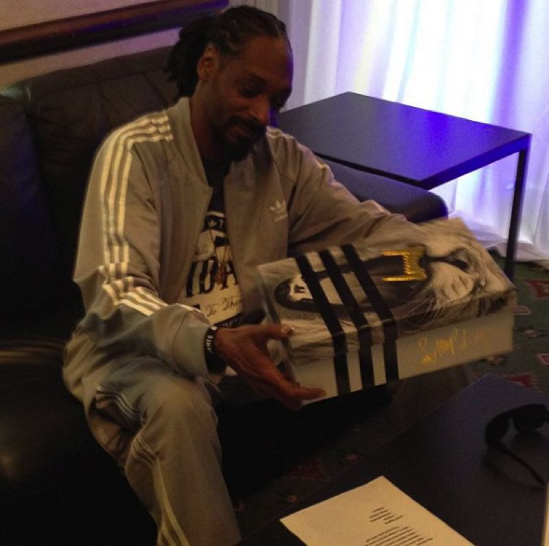 COURTESY: PAUL LOVING  - Loving uses Instagram to showcase his authentic, unbuttoned persona, showcasing a combination of with-celeb selfies, nights out with the lads and pictures of shoes. Snoop Dogg getting a three stripes care package.