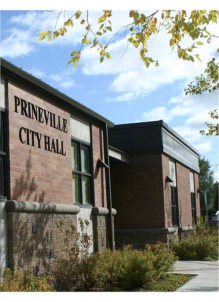 CENTRAL OREGONIAN - The City of Prineville is looking into a grant to help resolve issues with certain portions of its transportation system.