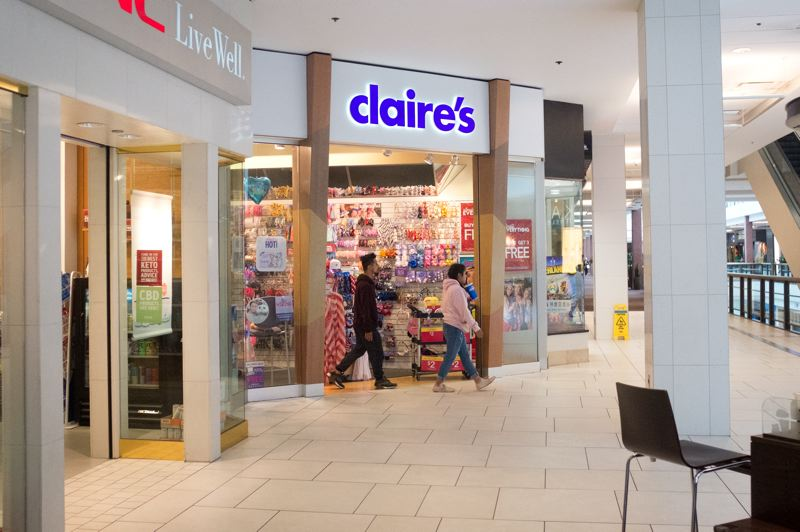 PMG: JAIME VALDEZ - Dye says middle market stores like Claire's are hurting the most, while luxury and deep discount stores are surviving in the face of e-commerce's dominance.