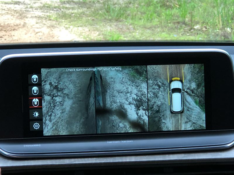 PMG PHOTO: JEFF ZURSCHMEIDE - One of the features that distinguished the Kia Telluride was the available wheel camera display. You can select a camera view that puts both front tires right on the center display.