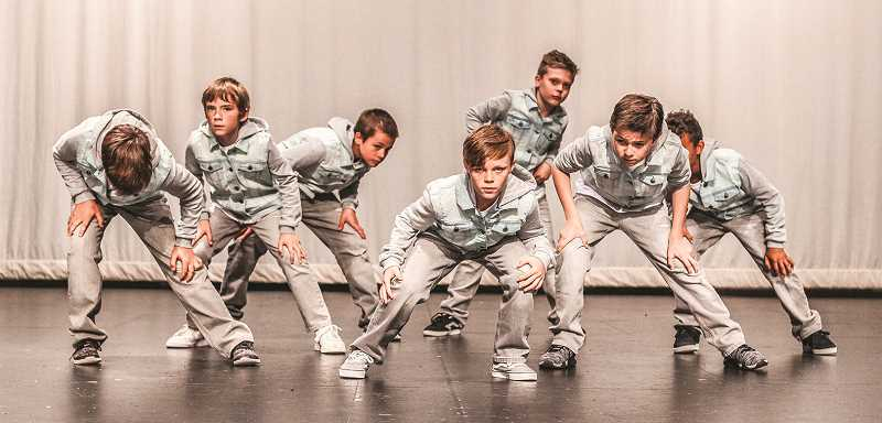 PHOTO SUBMITTED BY OLIVE AND BLU PHOTOGRAPHY