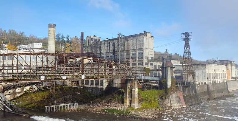 PHOTO: AMANI DUNCAN - The former West Linn Paper mill will reopen after nearly two years as Willamette Falls Paper Company.