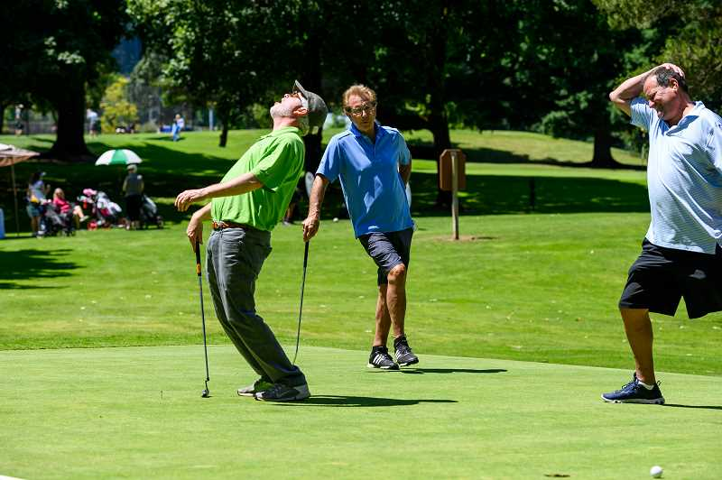 The agony of defeat was felt by some golfers.