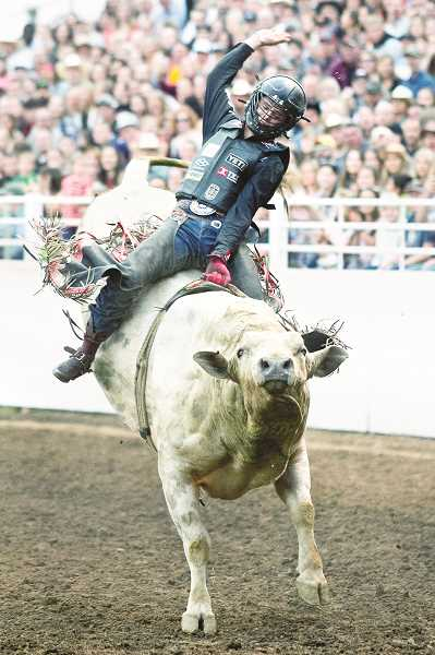 PHOTOS COURTESY OF HOOT CREEK - Stetson Wright won the overall title after finishing second in bull riding and the saddle bronc.