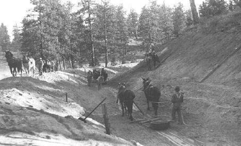 PHOTO COURTESY OF BOWMAN MUSEUM - Construction of the Columbia Southern Canal began in 1904, extending Tumalo Creek to Bull Flat.