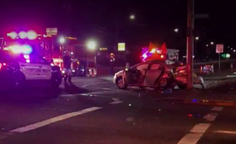 KOIN 6 NEWS - The crash scene on Southeast Division early Monday.